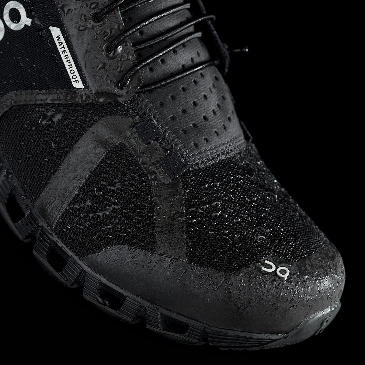 8080150d ON Кроссовки женские Cloud Waterproof Black / Lunar Артикул: 000019.99986