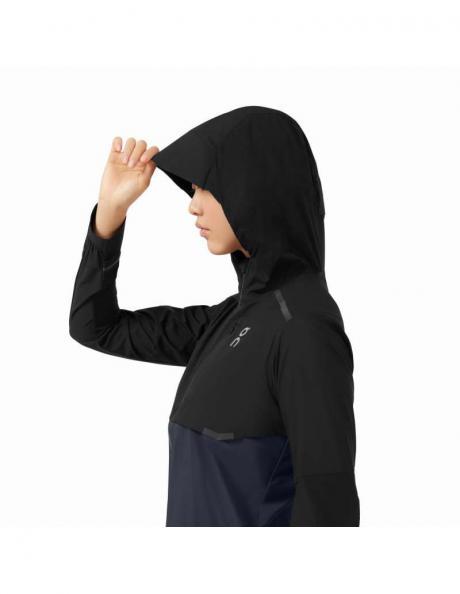 ON Куртка женская WEATHER-JACKET Black / Navy Артикул: 204.00248
